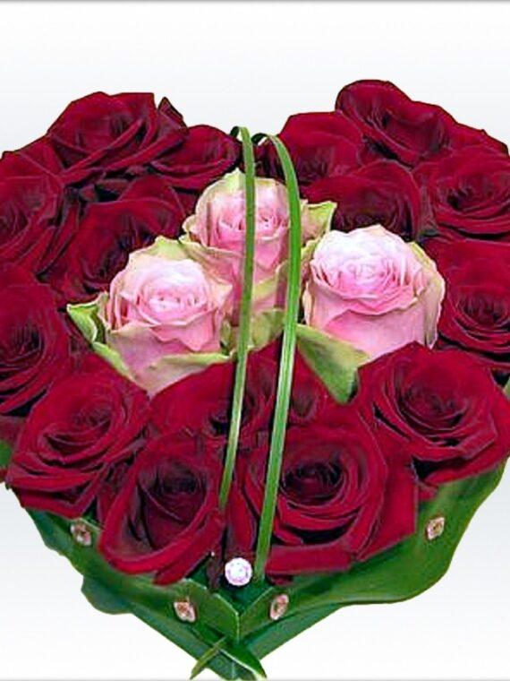 Сърце от рози