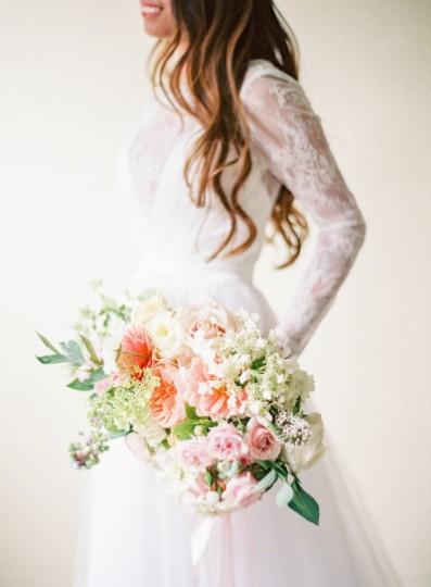 Далии, градински рози и хортензии. Източник: Stylemeptretty/CocoTran