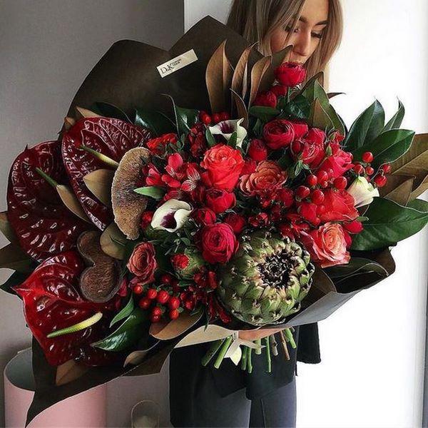 Модни букети с цветя 2020 – 2021 – тенденции във флористиката, най-добрите букети в галерията тук.